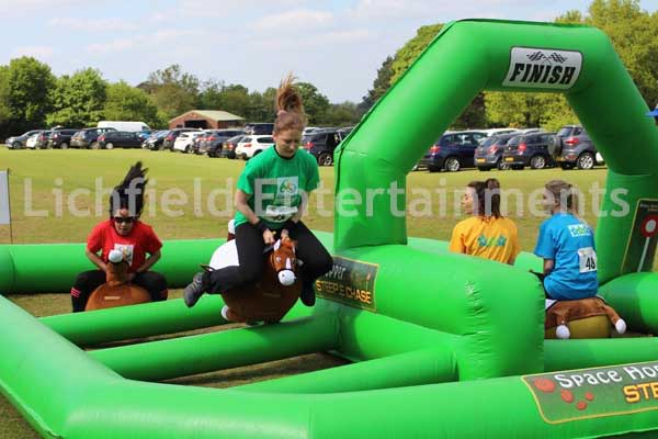 Hopper horse racing inflatable game for hire