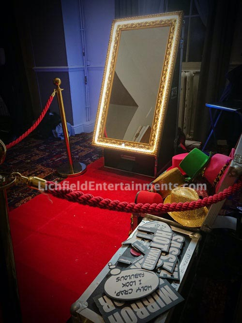 Magic Selfie Mirror for hire from LichEnts