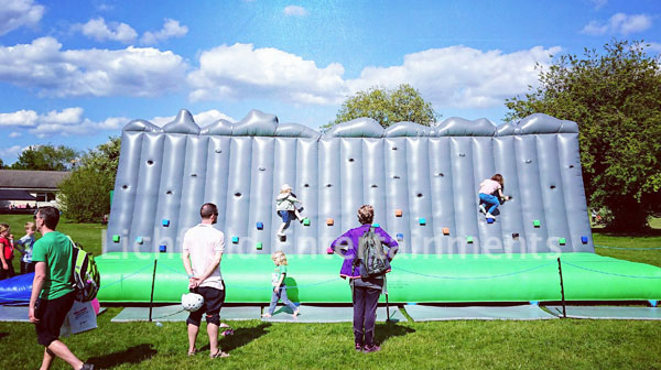 Inflatable Traversing Wall for hire
